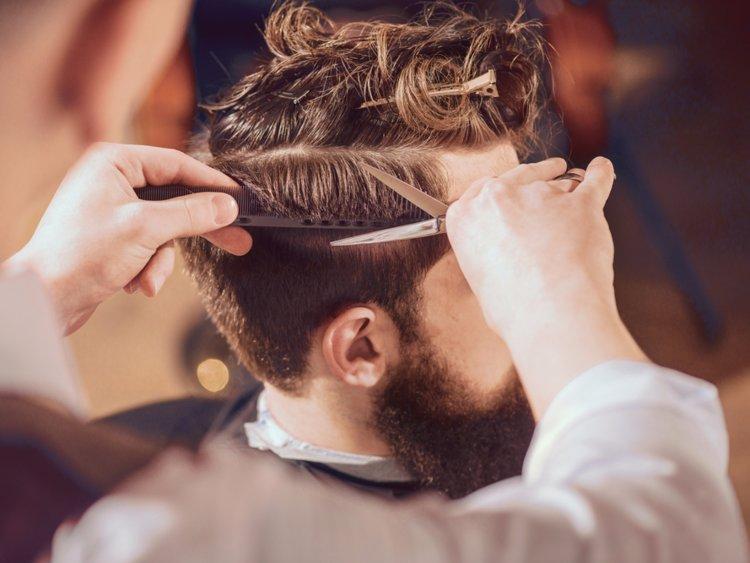 O condicionador é apenas um de seus aliados para fazer o cabelo oferecer uma excelente aparência, oferecendo brilho, macio qualidades e quantidade.